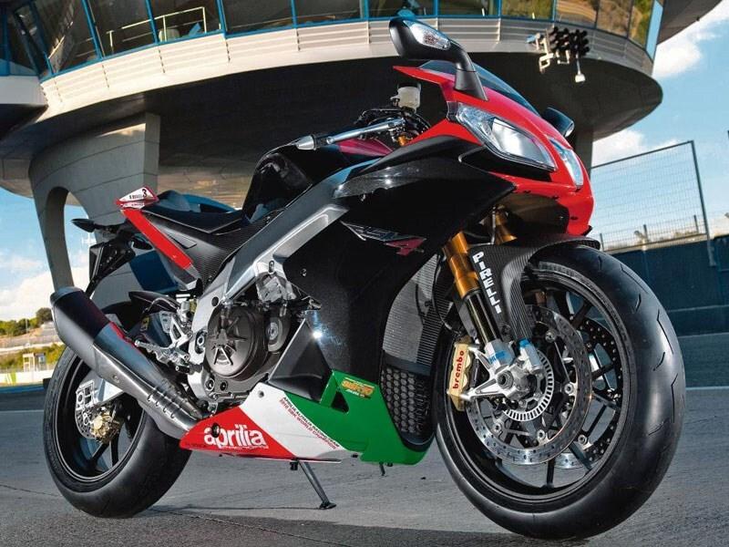 Xe moto Aprilia RSV4 thiết kế thể thao được sử dụng cho nhiều giải đua lớn