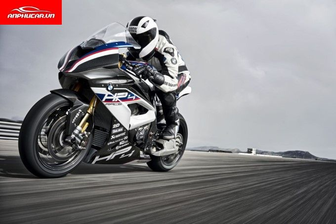 bmw hp4 dong co