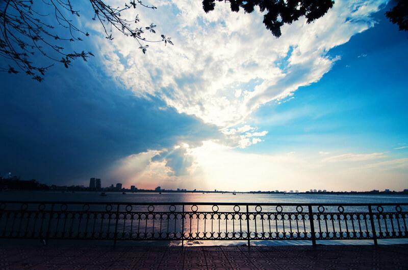 Hình ảnh vẻ đẹp Hồ Tây-Hà Nội xế chiều