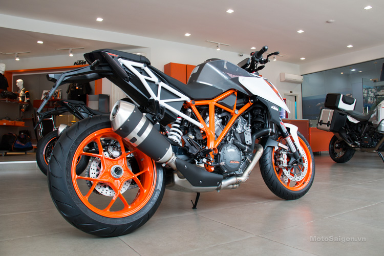 ktm 1290 superduke 2017 gia ban hinh anh motosaigon 3 9