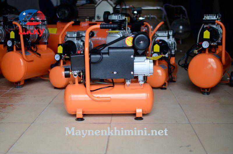 máy nén khí xịt bụi mini
